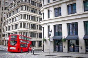 """השקעות נדל""""ן בדירות סטודנטים באנגליה"""