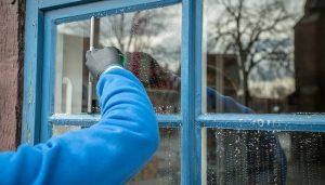 ניקוי חלונות בבית